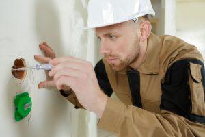 Festlegen der Elektroinstallation und Sanitärinstallation im Rohbau